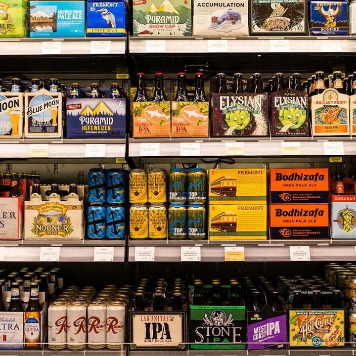 Ассортимент алкогольной продукции в Amazon Go