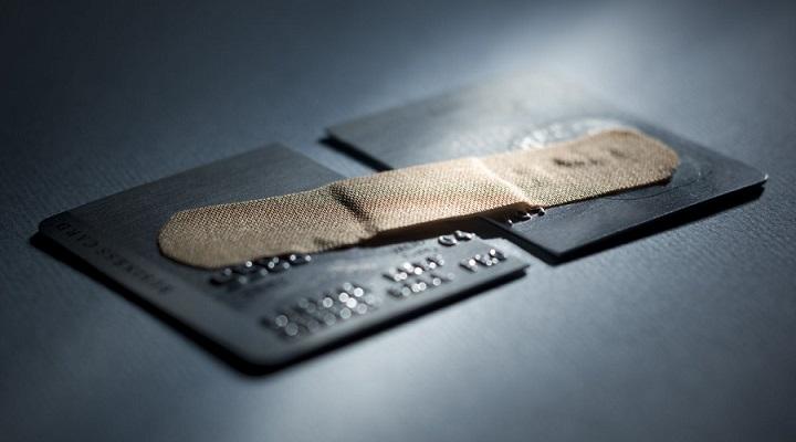 Российские банки в конце апреля-начале мая 2020 года стали урезать лимиты по кредитным картам
