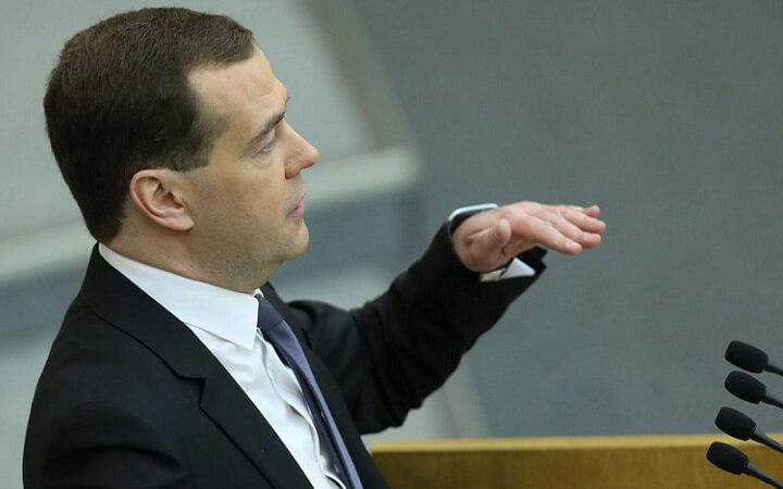 Дмитрий Медведев: «Правительство свои предложения [по вопросу пенсионного возраста] подготовит в самой короткой перспективе и внесет их в Государственную думу»